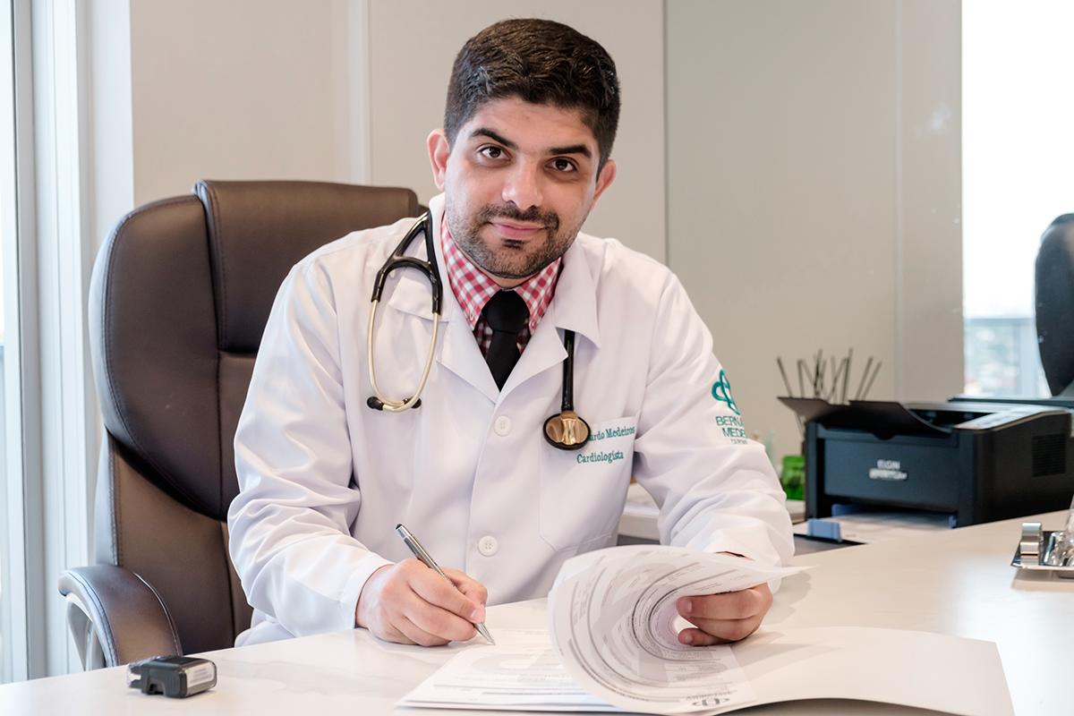 Dr Bernardo Medeiros